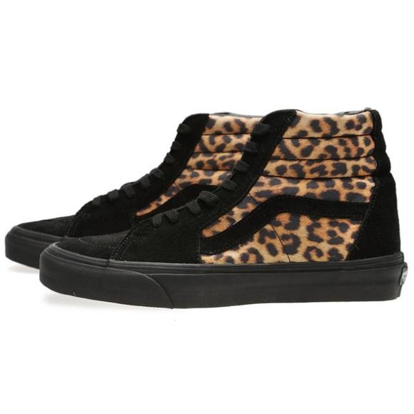 fe733ae12a Vans Sk8 Hi Leopard Print Suede Hightop Shoes. M 5b66410d5a9d21289a7adf49